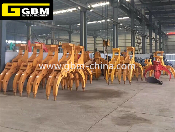 Excavator supporting hydraulic timber grab