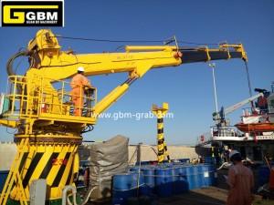 Telescopic boom marine cranes