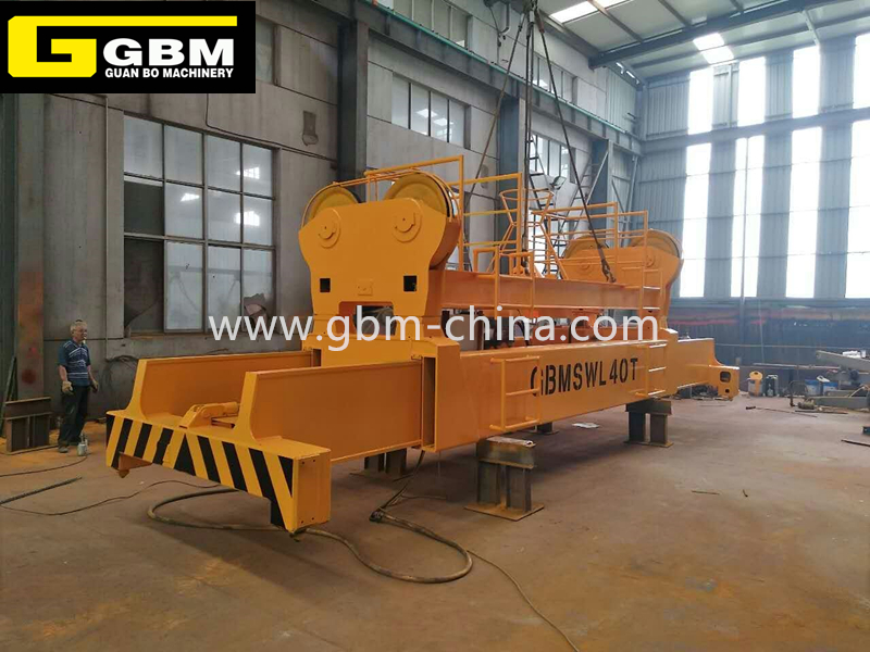 Electric hydraulic telescopic spreader