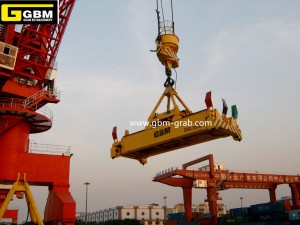 Single hanging point electro-hydraulic rotary telescopic spreader