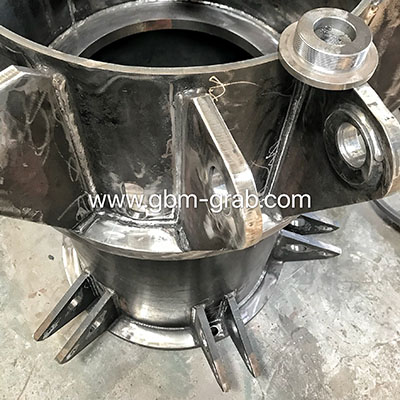 Four sets 1m3 semi-finished hydraulic grabs